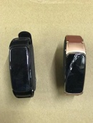SMART WATCH WITH BLUETOOTH HEADSET DUAL COMBO FUNCTION (PACK QTY - 1 NOS)